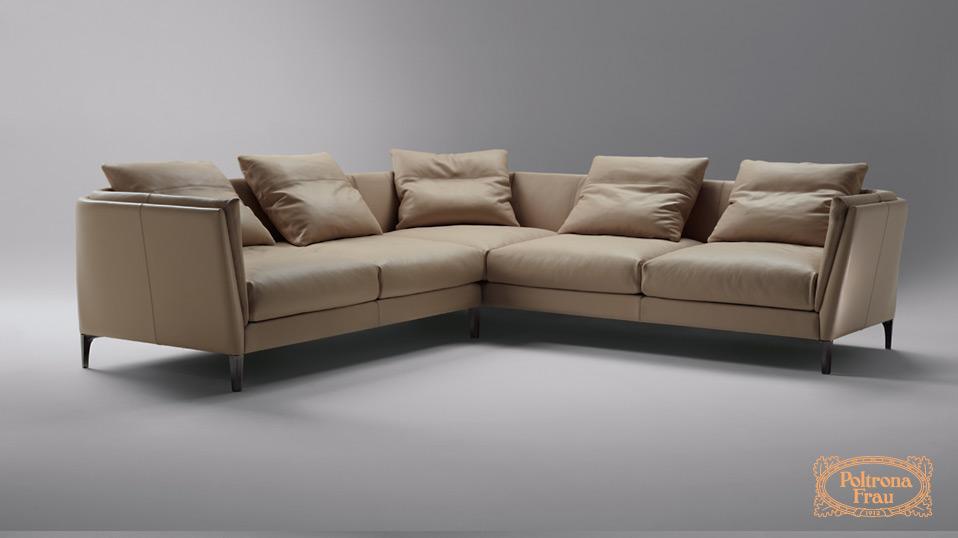 Mit Diesem Sofa Lassen Sich Anpassungsfähige Und Bequeme Kompositionen  Schaffen. Die Tiefe Sitzfläche Wird Durch Rückenkissen Noch Gemütlicher.