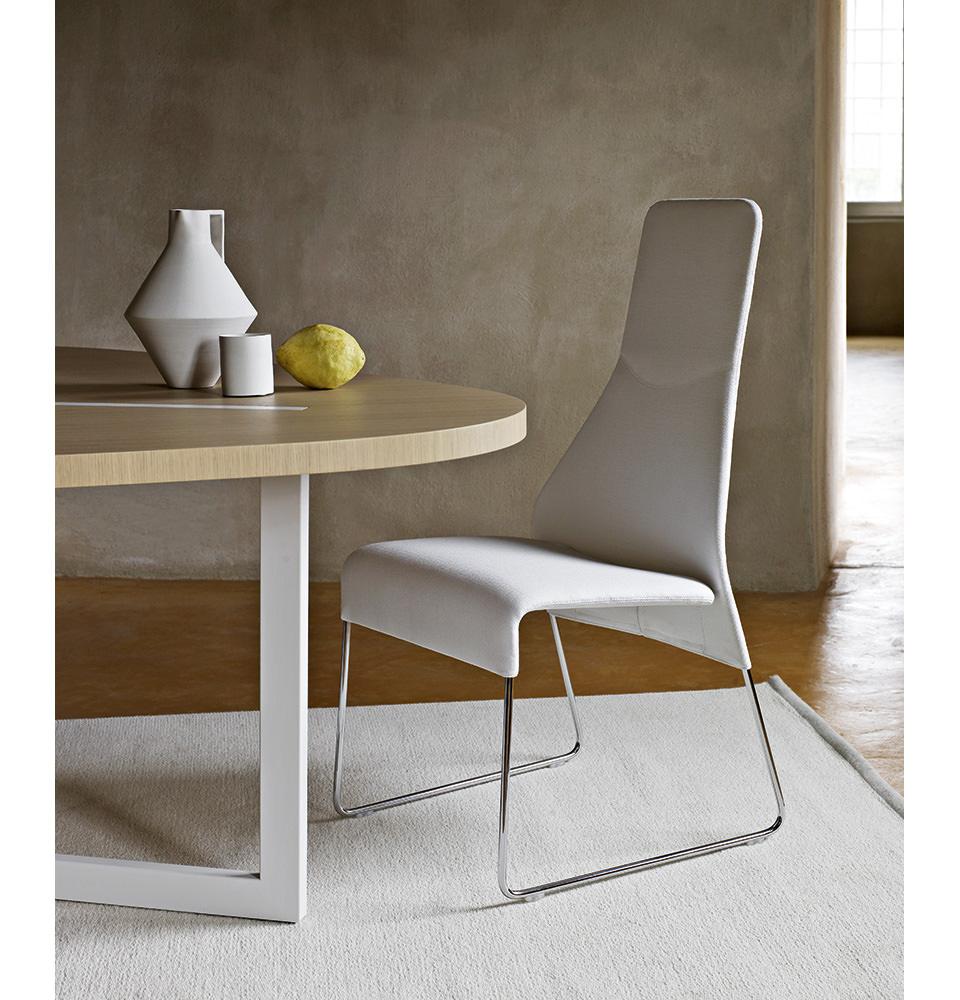 stuhl mit namen finest der stuhl trgt inzwischen bekannte namen with stuhl mit namen simple. Black Bedroom Furniture Sets. Home Design Ideas