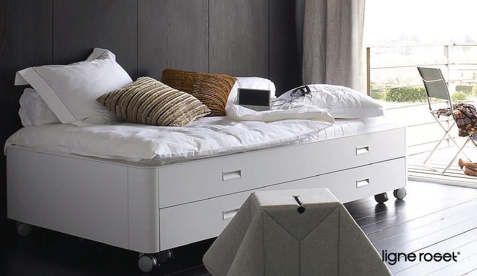 bett auf rollen cool bett auf rollen selber bauen with bett auf rollen good metall bett fr. Black Bedroom Furniture Sets. Home Design Ideas