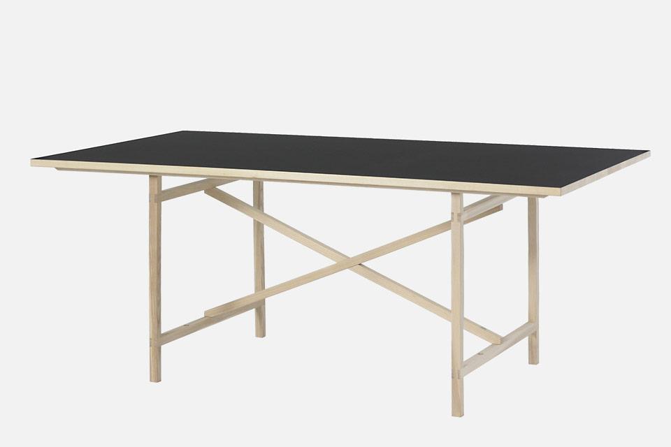nils holger moormann tisch egon drifte wohnform. Black Bedroom Furniture Sets. Home Design Ideas