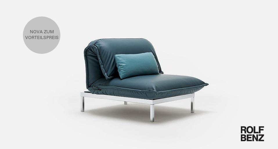 sitzen loungen liegen das sofa nova von rolf benz wird ganz leicht zum. Black Bedroom Furniture Sets. Home Design Ideas