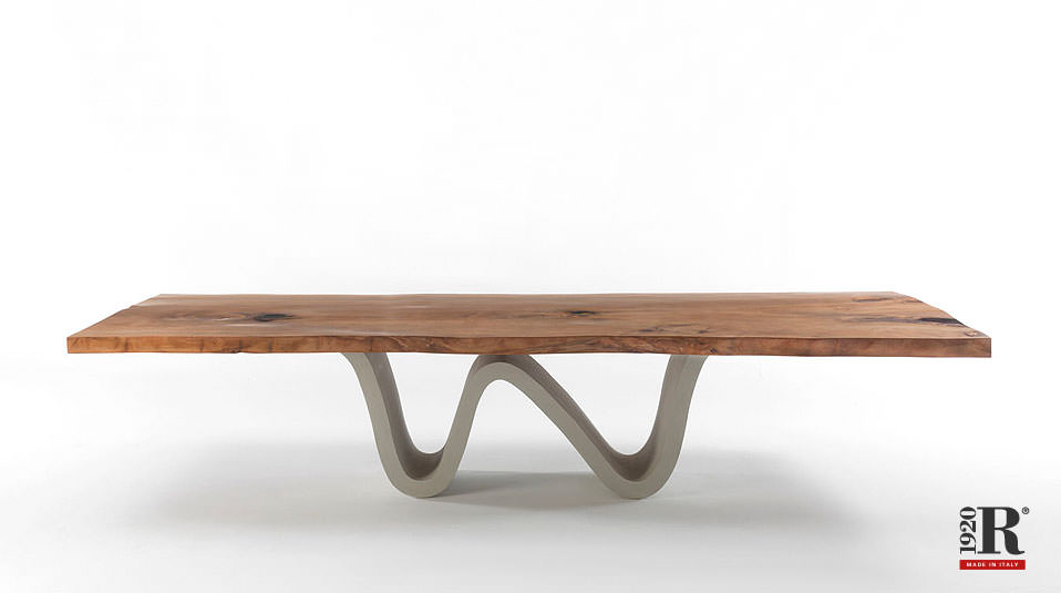 riva 1920 auckland tisch aus kauri holz drifte wohnform. Black Bedroom Furniture Sets. Home Design Ideas