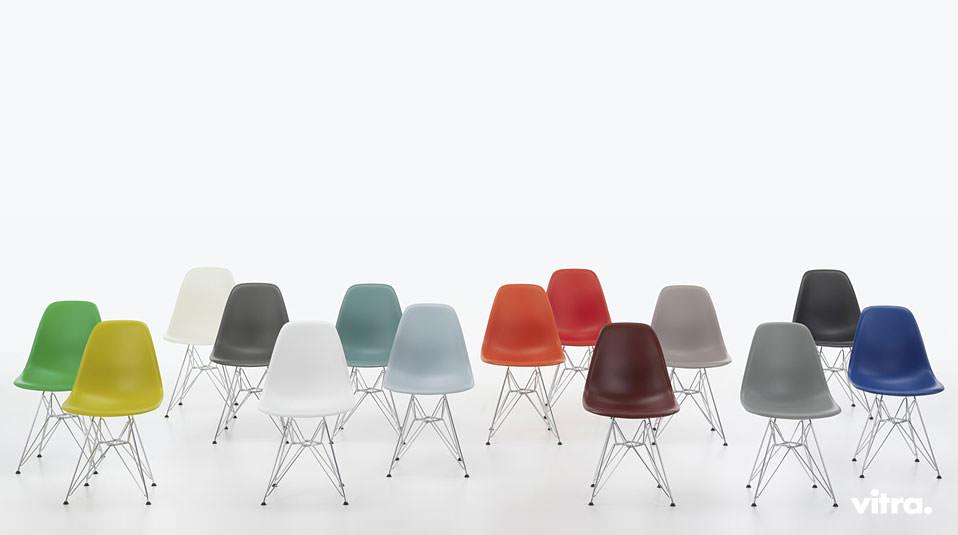 Der Mensch Wächst Und Mit Ihm Sein Eames Plastic Side Chair. Den Beliebten  Stuhl Von Vitra Gibt Es Jetzt In Neuen Maßen Und Weiteren Farben.