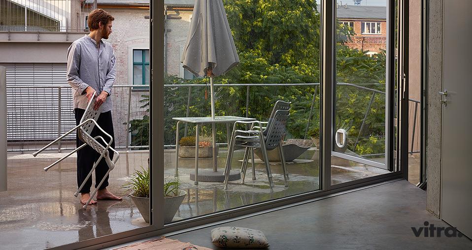 Vitra spring 2016 landi stuhl davy table drifte wohnform for Stuhl designgeschichte