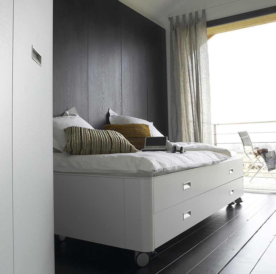 ligne roset travel studio bett drifte wohnform. Black Bedroom Furniture Sets. Home Design Ideas