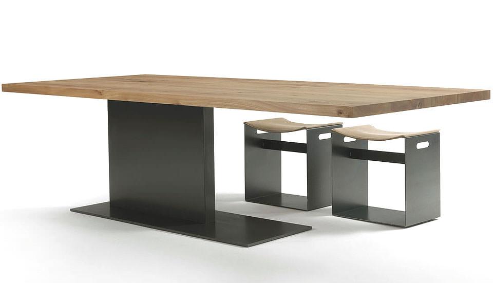 RIVA 1920 Liam Iron Tisch aus Ulmenholz Drifte Wohnform